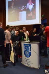 """Uwierz w siebie i wygraj pasję"""" – manifest złożony przez 460 uczniów lubuskich szkół podczas warsztatów w murach naszej Akademii, zapadnie w pamięci naszych zacnych gości_30"""